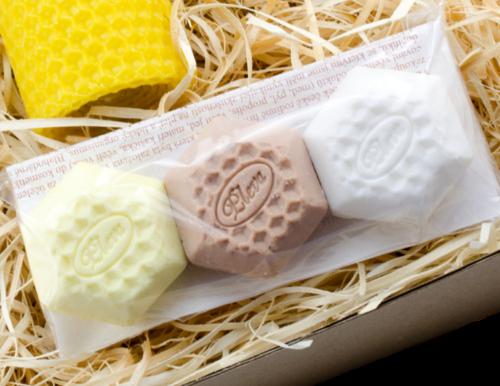 dárková sada, malá mýdla se včelími produkty