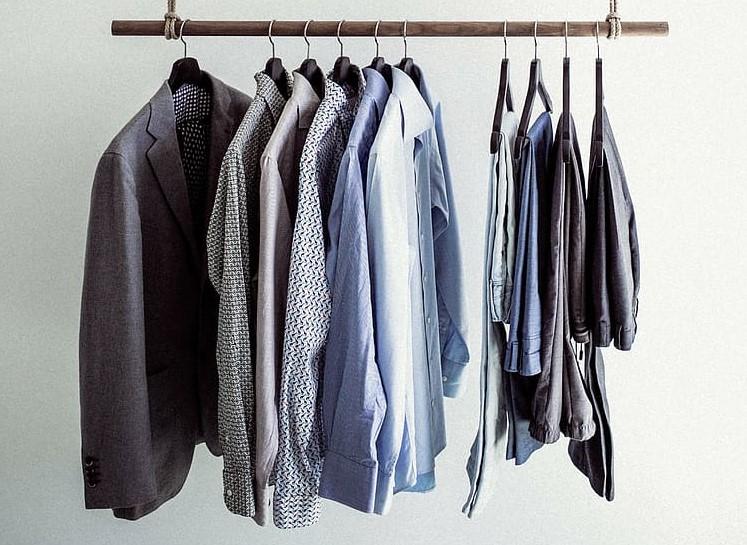 minimalismus ve skříni, capsule wardrobe