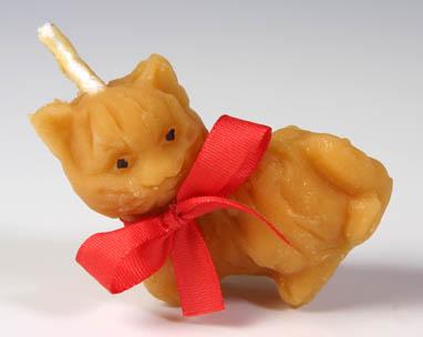Pleva Svíčka ze včelího vosku - kočka, výška 6,2 cm