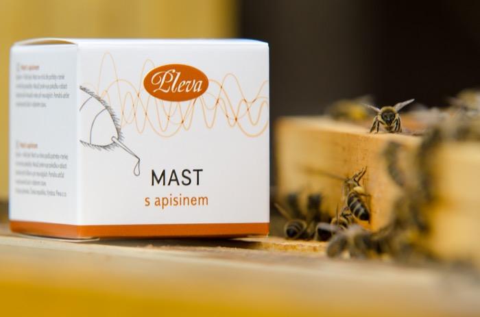 Mast s apisinem - včelím jedem na klouby, Pleva
