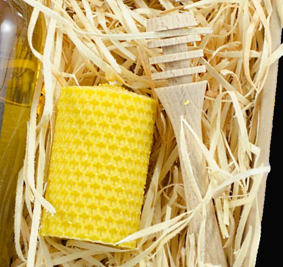 dárková kazeta, dřevěná naběračka medu, motaná svíčka ze včelího vosku, Pleva