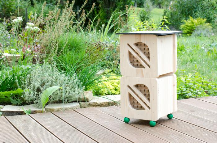 Hmyzí hotel pro včelky samotářky - dvojitý, Pleva