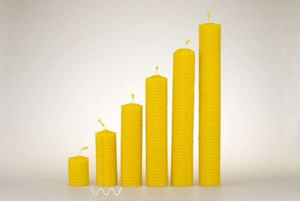 Candles from beeswax, width 30mm, height 67mm
