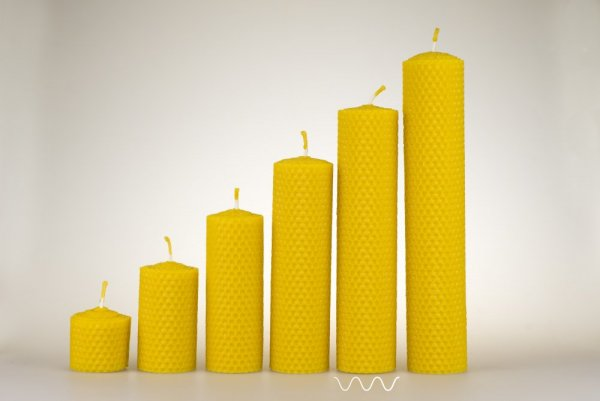 Candles from beeswax, width 40mm, height 167mm