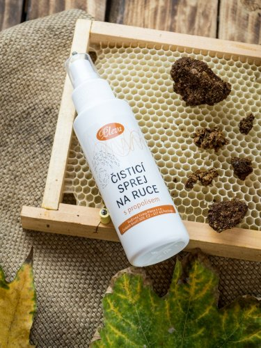 Hand cleansing spray with propolis - Weight: 450 g