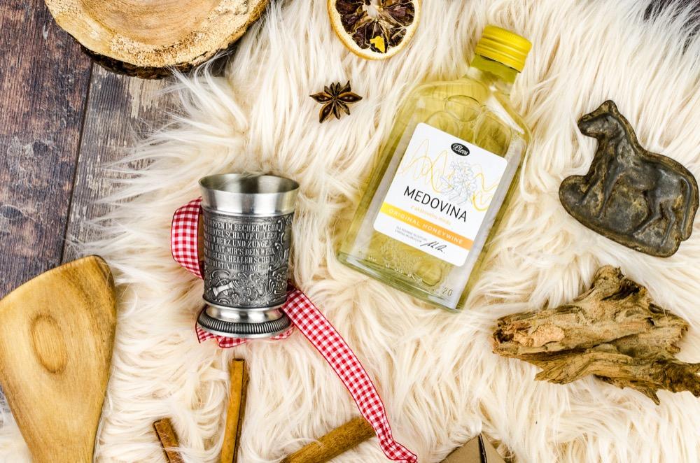 Medovina z akátového medu 0,2l placatice Pleva