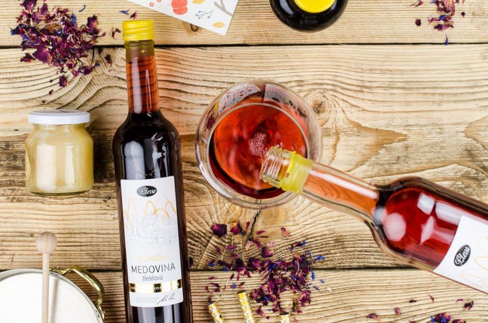 Proč si místo vína dát medovinu