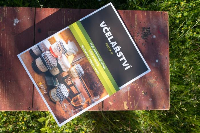 Kniha Včelařství - svazek III., kolektiv autorů
