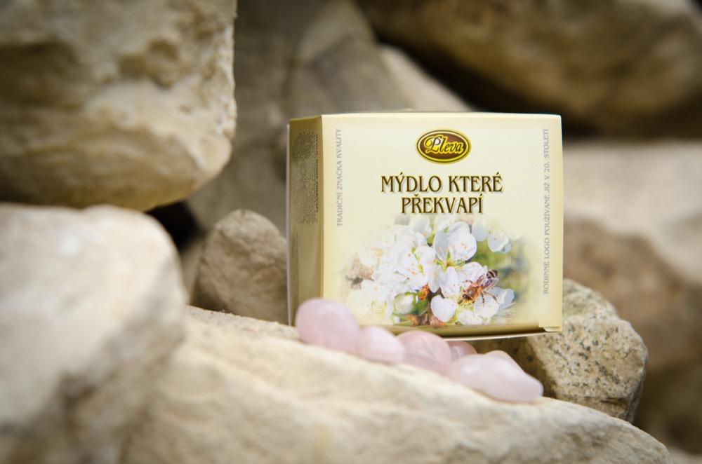 mydlo ktere překvapí- přírodní mýdlo s kamínkem