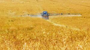 Důsledky zemědělství na krajinu a hmyz, chemické postřiky
