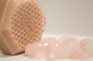 Mýdlo, které překvapí a kameny přátelství