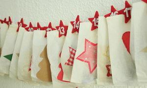 výroba adventního kalendáře z pytlíčků, obálek, papírových sáčků