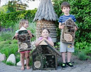 výroba hmyzího hotelu