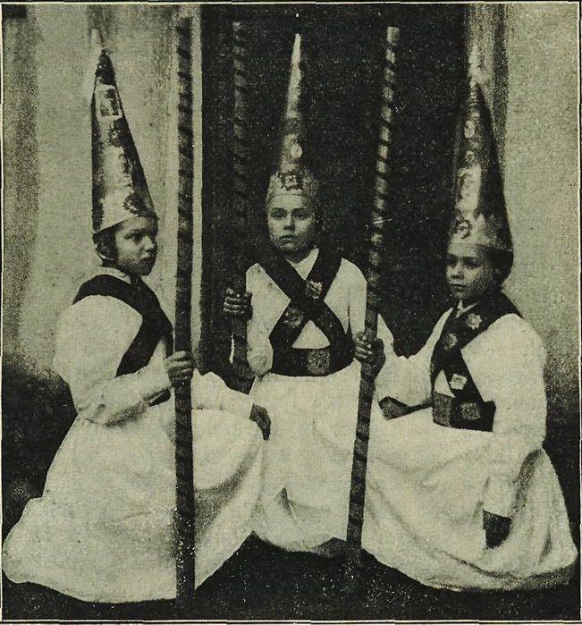 «Pastýři» na obchůzce tříkrálové v Kojetíně. Fotografoval O. Pisch. (rok 1910)