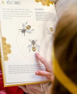 Dětská ilustrovaná kniha Úžasný svět včel