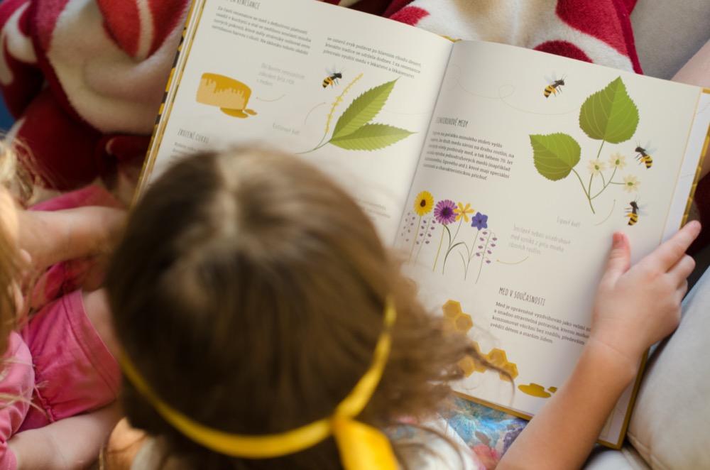 Dětská kniha Úžasný svět včel