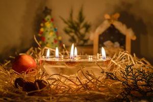 Pouštění vánočních svíček