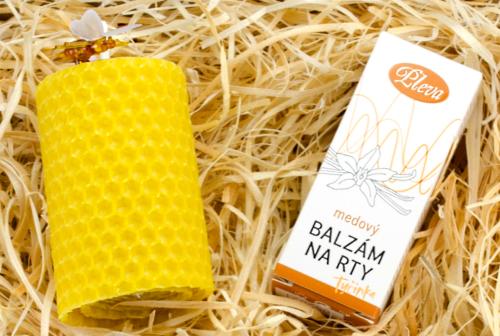 dárková sada, Medový balzám na rty s příchutí vanilky, motaná svíčka ze včelího vosku