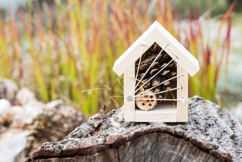 Hmyzí domek pro užitečný hmyz a včelky samotářky, malý