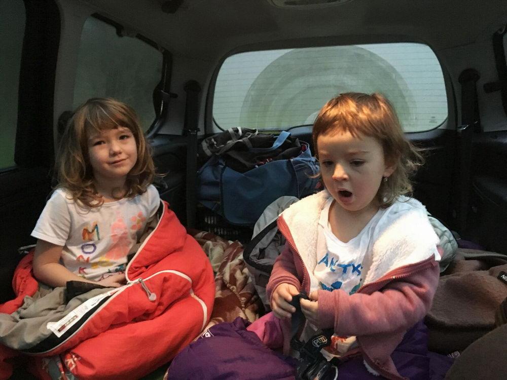 Mikrodobrodružství, spaní v autě