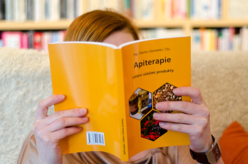 Kniha Apiterapie Léčení včelími produkty Ing. Štefan Demeter, CSc.