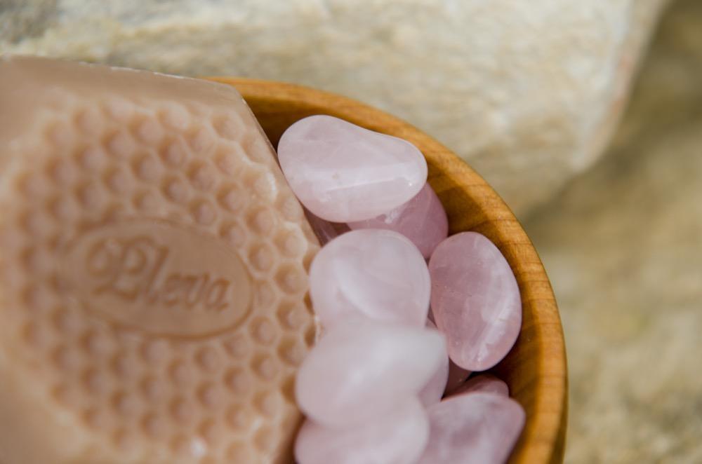 Mýdlo, které překvapí a kámen růženín