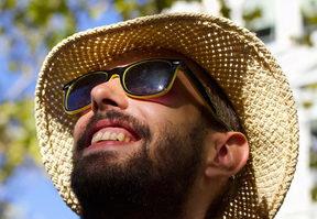 sluneční brýle nosit nebo nenosit