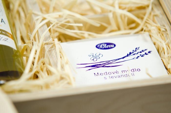 dárková sada, přírodní Medové mýdlo s levandulí, Pleva