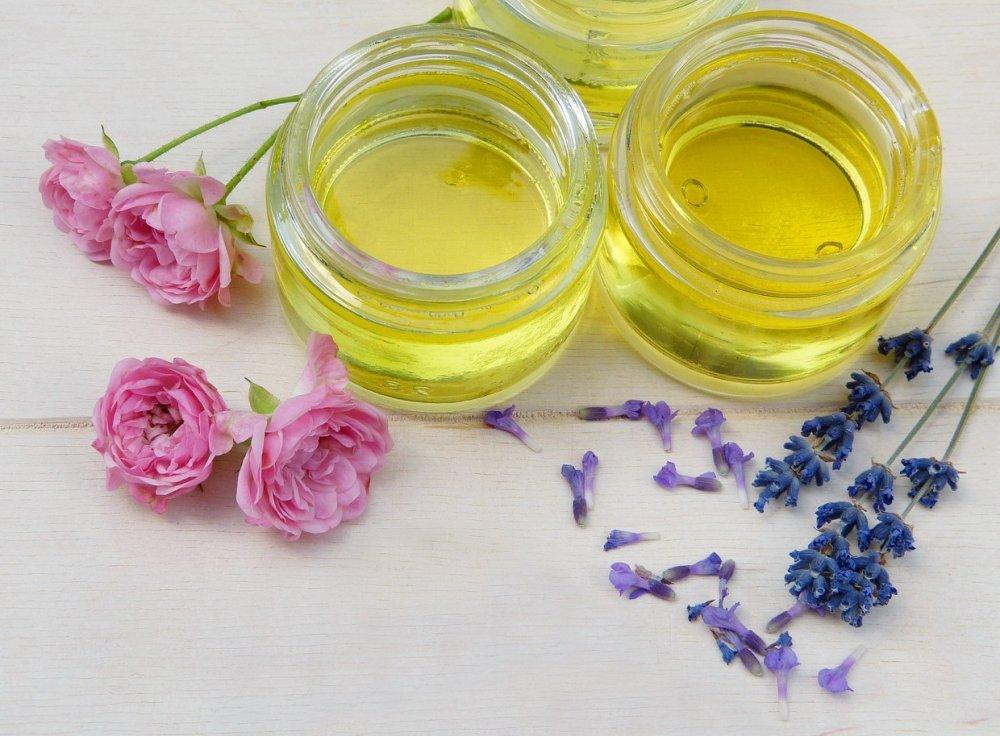 přírodní léčba rosacea, rostlinné a éterické oleje