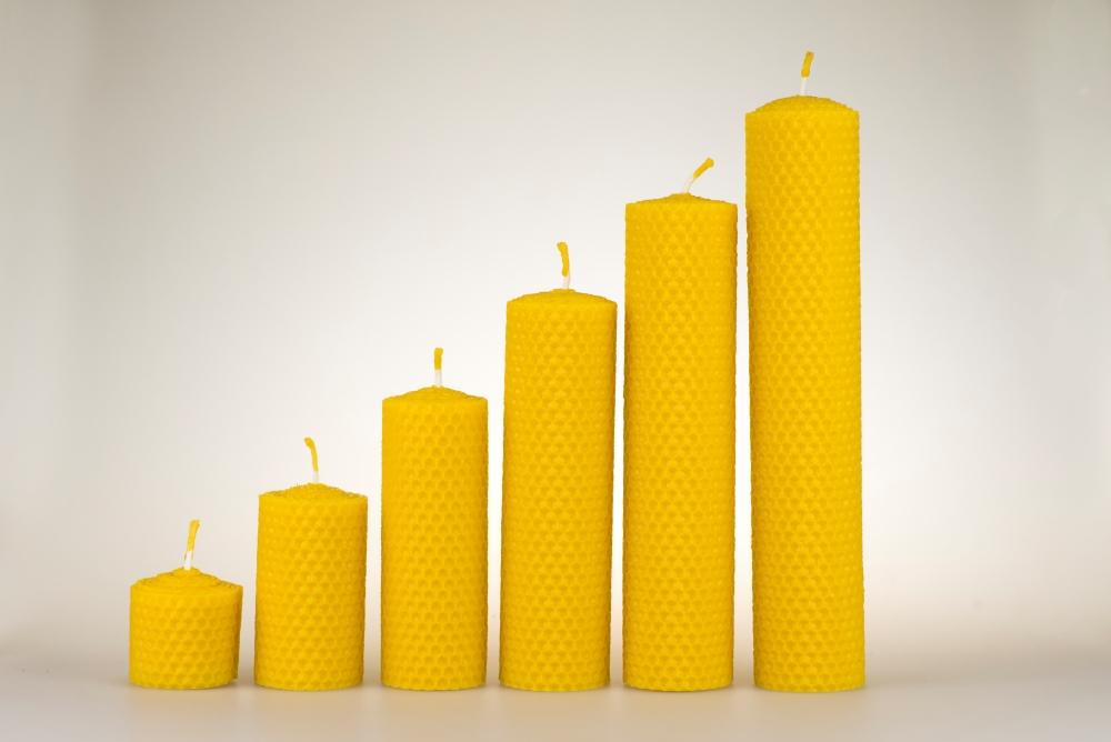 Motané svíčky ze včelího vosku Pleva