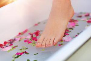 domácí koupel nohou