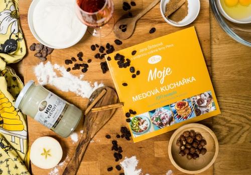 Kniha Moje medová kuchařka, Jana Štrbková, Pleva