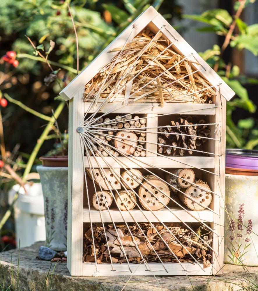 Hmyzí domek pro užitečný hmyz a včelky samotářky, velký