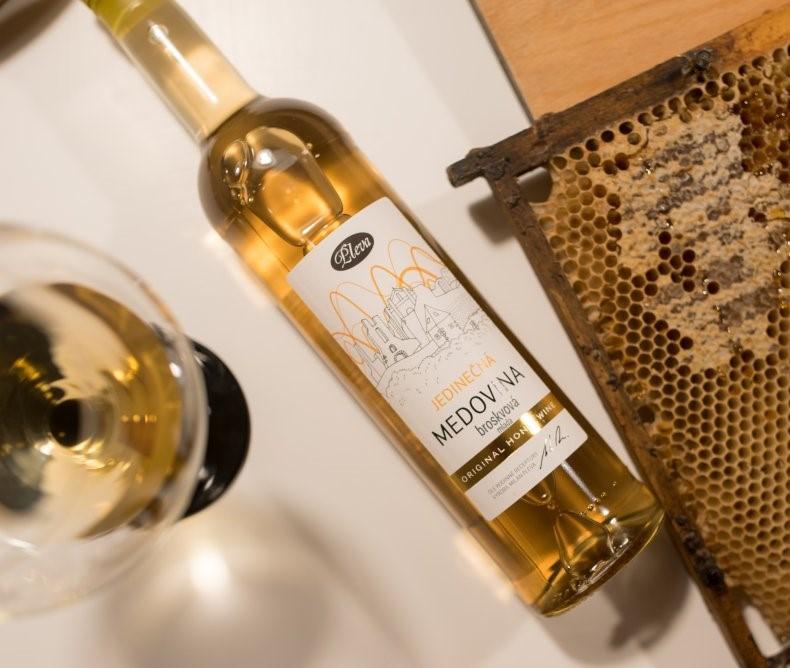 Divoká broskvová medovina 0,5l - limitovaná edice