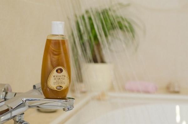 Medová pěna do koupele