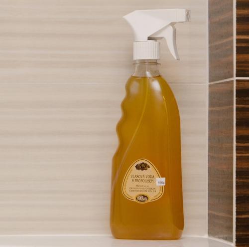 Vlasová voda s propolisem - pleva